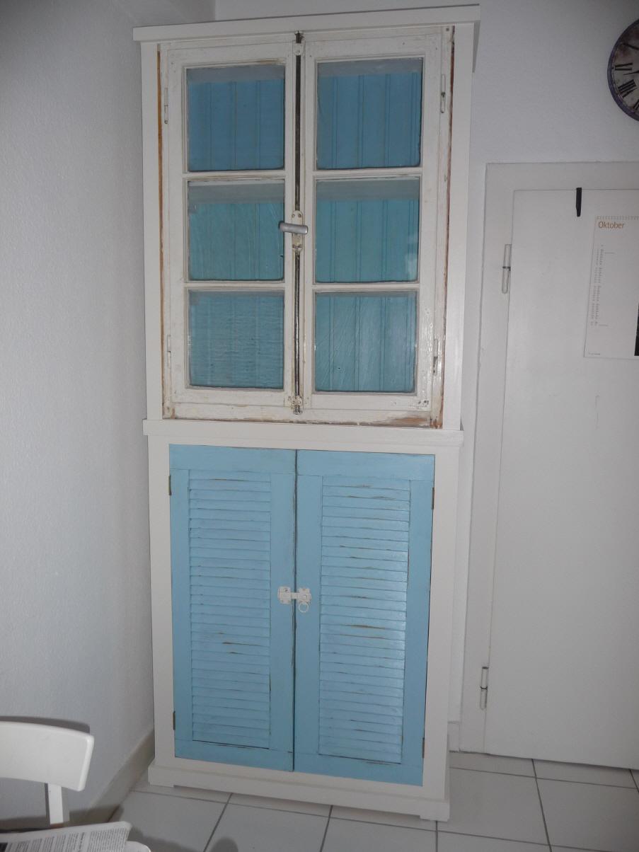 Küchenschrank schmal  Antike Fenster